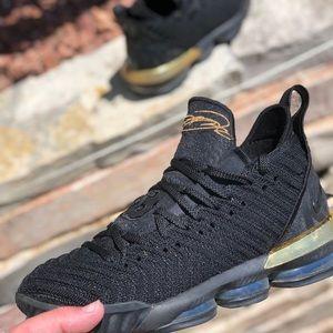 Nike Shoes - Lebron 16